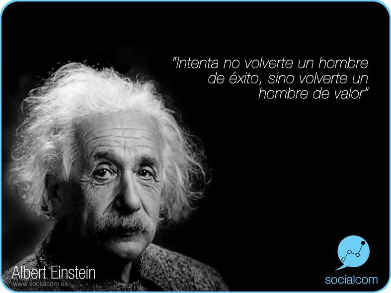 Albert Einstein por Socialcom Estrategia en Redes Sociales y Comunicación S.L.
